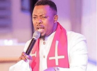 """Drink Alcohol and Womanize Or Steal It Doesn't Make You A Fake Pastor """" –Ghanaian Pastor Told Crowd"""